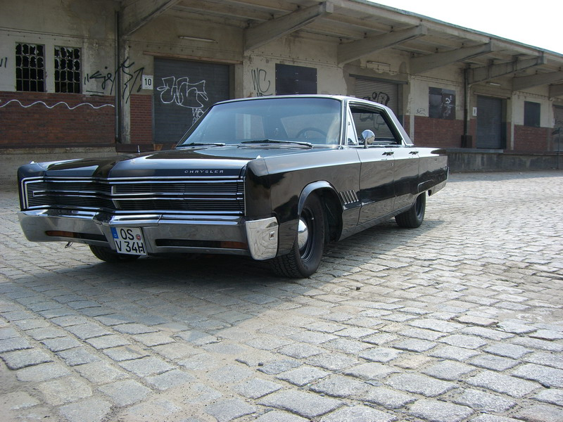 68 Chrysler 300 Front