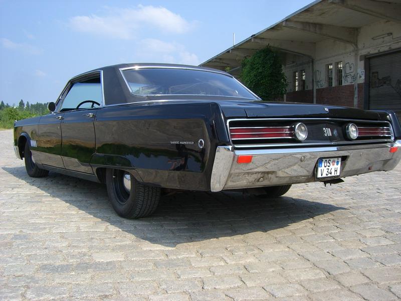68 Chrysler 300 Rear